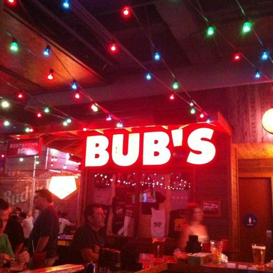 รูปภาพถ่ายที่ Bub's at the Ballpark โดย Jordan H. เมื่อ 8/16/2012