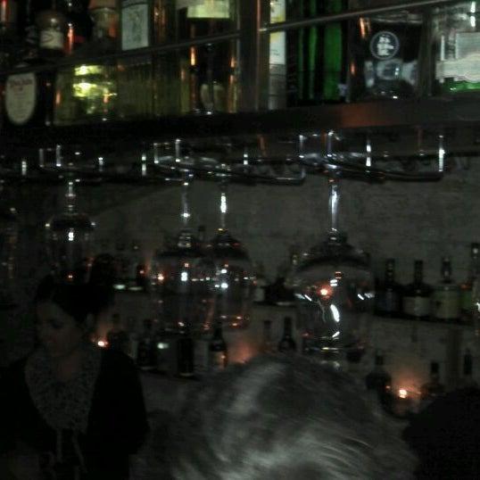 Foto scattata a Grandma's Bar da Gerald v. il 3/11/2011