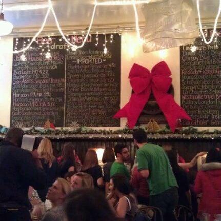 Foto tirada no(a) Jacob Wirth Restaurant por Kristin I. em 12/10/2011