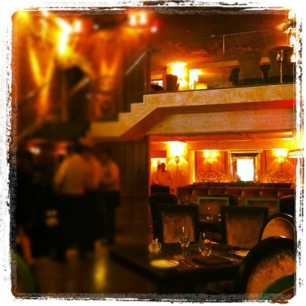 Foto tomada en Brasserie Pushkin por Alfie el 8/15/2012