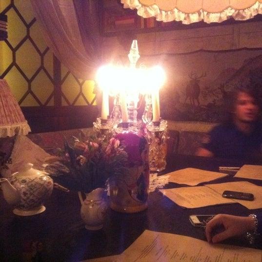 รูปภาพถ่ายที่ Mari Vanna โดย Aidai A. เมื่อ 5/4/2012