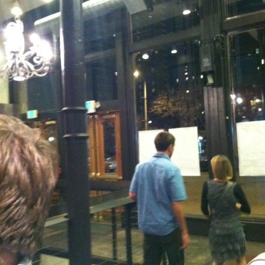 3/16/2012 tarihinde Colby H.ziyaretçi tarafından Comedy Works Downtown in Larimer Square'de çekilen fotoğraf
