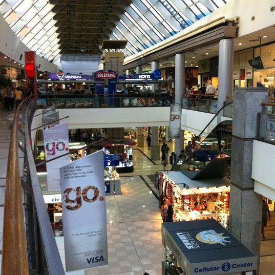 Foto tirada no(a) Punta Carretas Shopping por Gonzalo A. em 2/29/2012