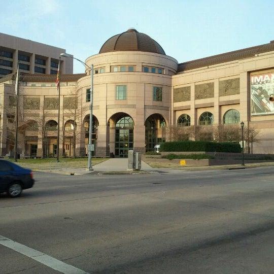 1/28/2012 tarihinde Adrienneziyaretçi tarafından Bullock Texas State History Museum'de çekilen fotoğraf