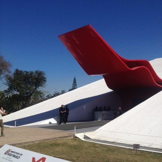 8/23/2012에 Jose Luiz G.님이 Auditório Ibirapuera Oscar Niemeyer에서 찍은 사진