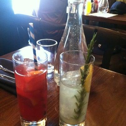 8/26/2012에 Jennifer L.님이 The Misfit Restaurant + Bar에서 찍은 사진
