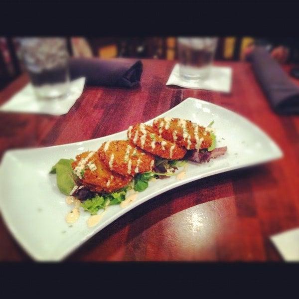 รูปภาพถ่ายที่ Cameron Bar & Grill โดย Cameron D. เมื่อ 8/1/2012