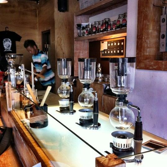 9/1/2012 tarihinde Senriziyaretçi tarafından Seniman Coffee Studio'de çekilen fotoğraf