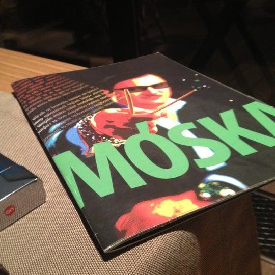 รูปภาพถ่ายที่ Moska Bar โดย Ellen K. เมื่อ 6/25/2012