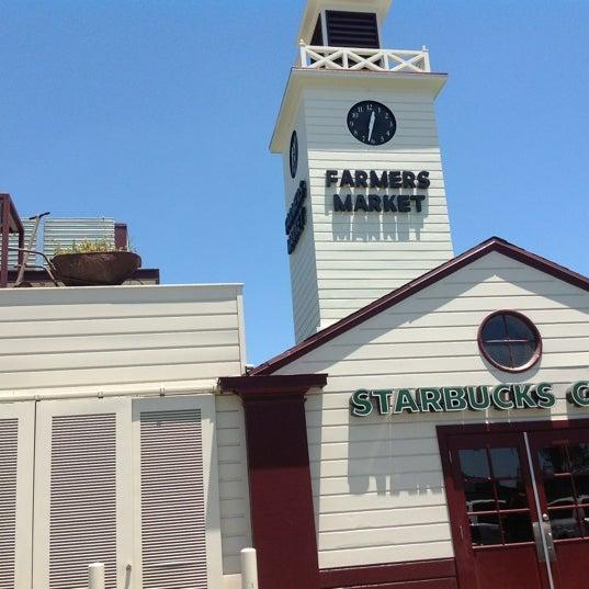 Das Foto wurde bei The Original Farmers Market von Carmen V. am 6/29/2012 aufgenommen