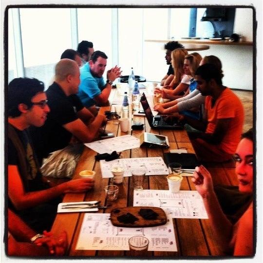 รูปภาพถ่ายที่ MAKE Business Hub โดย UAE Coffee E. เมื่อ 7/1/2012