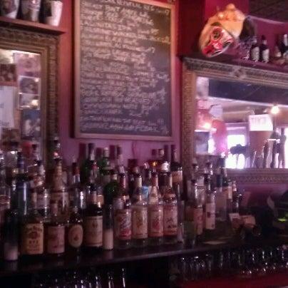 Photo prise au Bar Great Harry par Freya H. le6/22/2012