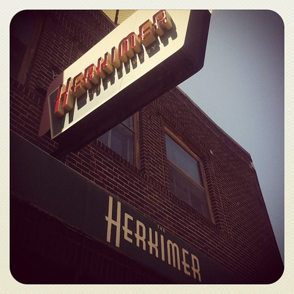 6/26/2012에 Kelly M.님이 The Herkimer Pub & Brewery에서 찍은 사진