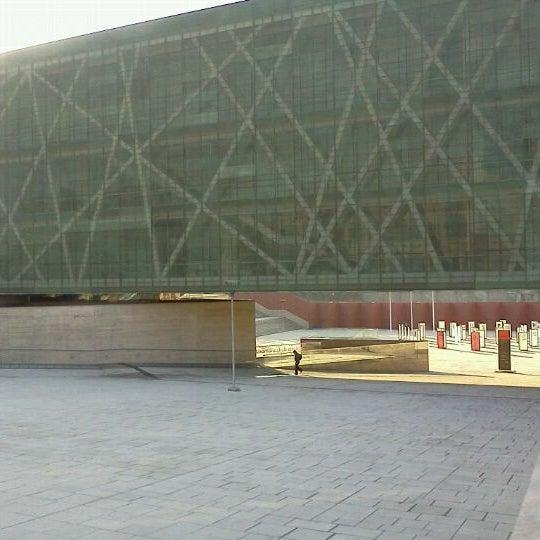 Foto diambil di Museo de la Memoria y los Derechos Humanos oleh Marcelo L. pada 6/4/2012