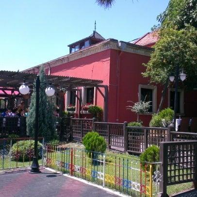 Das Foto wurde bei Ristorante Bella Vista Bahçeşehir von Yavuz Ş. am 7/15/2012 aufgenommen