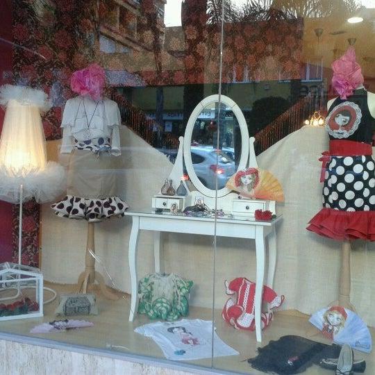Снимок сделан в La Lola Torremolinos пользователем Susana D. 9/20/2012
