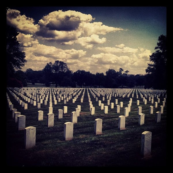 Foto scattata a Arlington National Cemetery da Adam G. il 7/26/2013