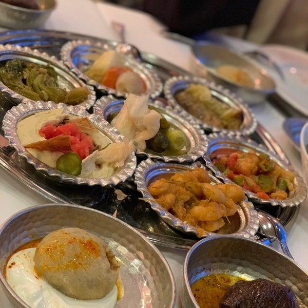 Photo prise au Seraf Restaurant par Tuğçe Ü. le2/25/2020