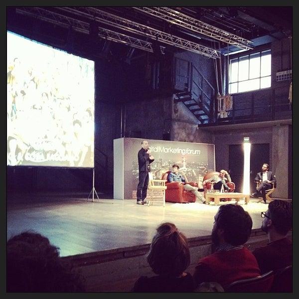 Снимок сделан в Teatro Franco Parenti пользователем Roberto C. 10/1/2013