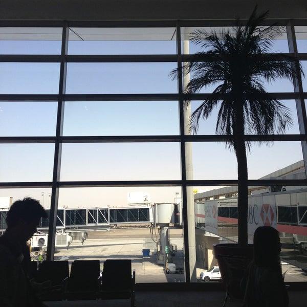 Photo prise au Abu Dhabi International Airport (AUH) par Peter B. le1/27/2013