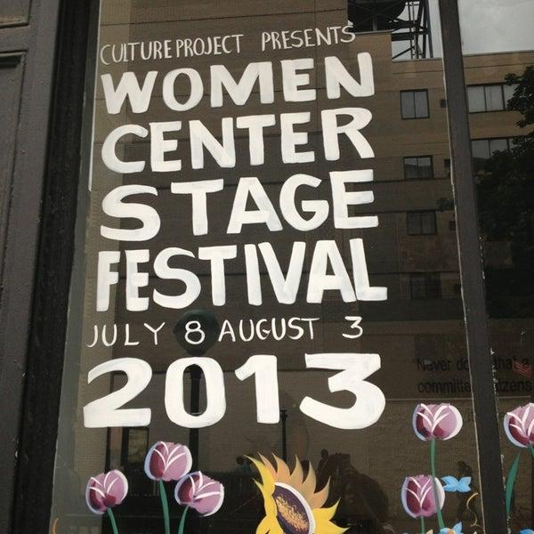 Foto tirada no(a) The Lynn Redgrave Theater at Culture Project por Toccarra C. em 7/22/2013