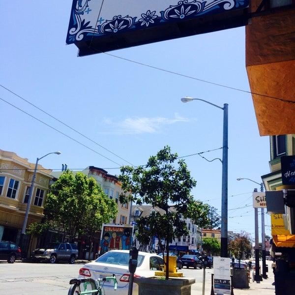 Das Foto wurde bei Cafe St. Jorge von Sarah D. am 5/9/2014 aufgenommen