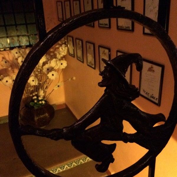 Foto scattata a Restaurante & Bar La Strega da Ivan S. il 5/24/2014