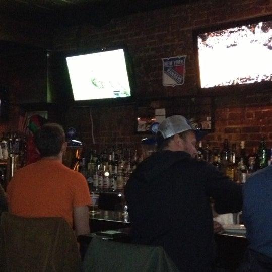 Das Foto wurde bei Mulholland's von Sharon O. am 12/14/2012 aufgenommen