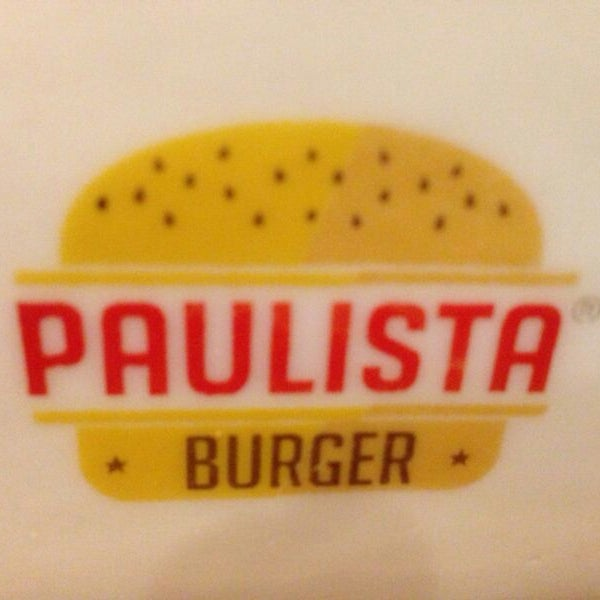 รูปภาพถ่ายที่ Paulista Burger โดย Danielle T. เมื่อ 7/28/2013