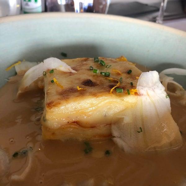 Foto scattata a Manta Restaurant da Cindy H. il 6/7/2020