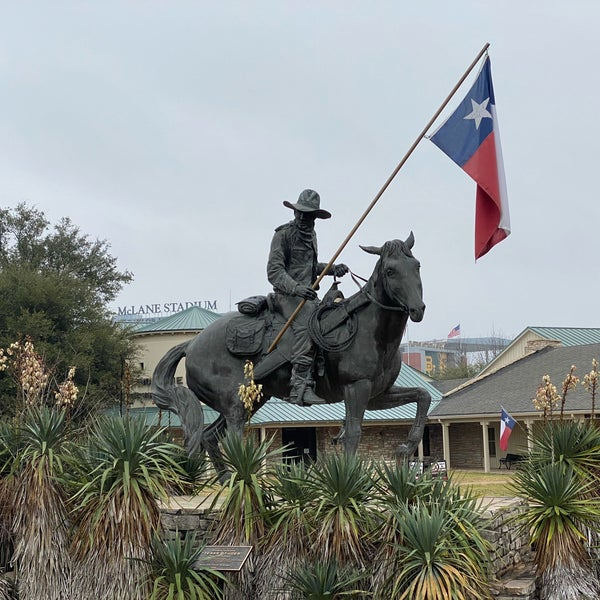 Foto scattata a Texas Ranger Hall of Fame and Museum da Wednesday T. il 2/23/2020