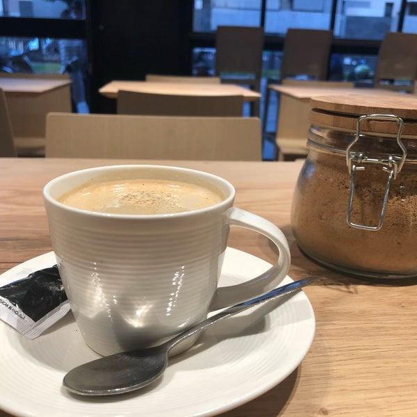Interesante!!!!! Buenas críticas pero sólo puedo valorar lo que tome. Delicioso café con leche de soja
