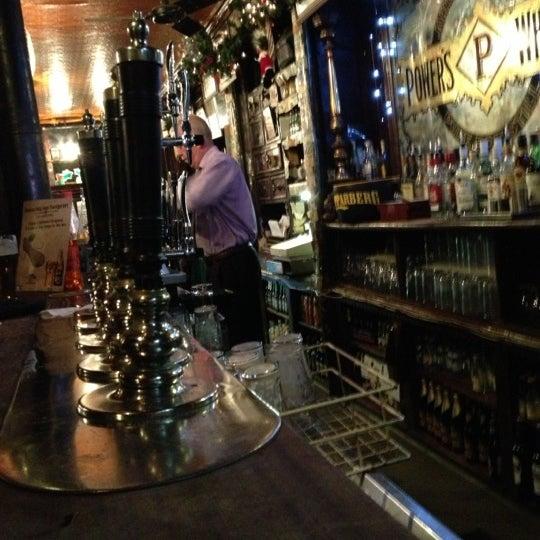 รูปภาพถ่ายที่ Toners Pub โดย Shane G. เมื่อ 12/4/2012