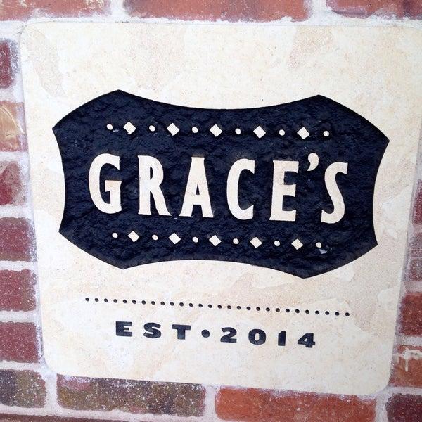 รูปภาพถ่ายที่ Grace's โดย Jay A. เมื่อ 6/13/2015