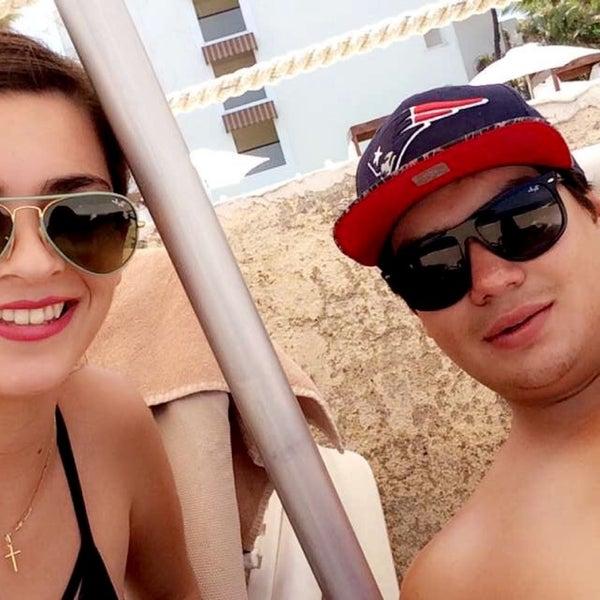 Foto tomada en Plaza Pelicanos Grand Beach Resort por Karla G. el 5/24/2016