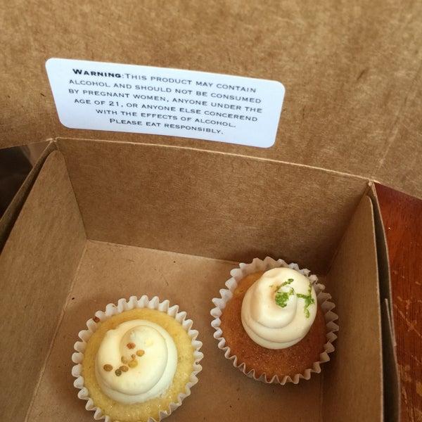รูปภาพถ่ายที่ Prohibition Bakery โดย Jennifer Y. เมื่อ 4/22/2015