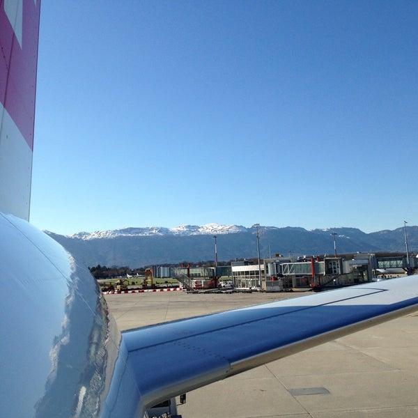 4/14/2013にToby S.がジュネーヴ国際空港 (GVA)で撮った写真