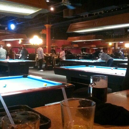 3/10/2013에 Mariah M.님이 Two Stooges Sports Bar & Grill에서 찍은 사진
