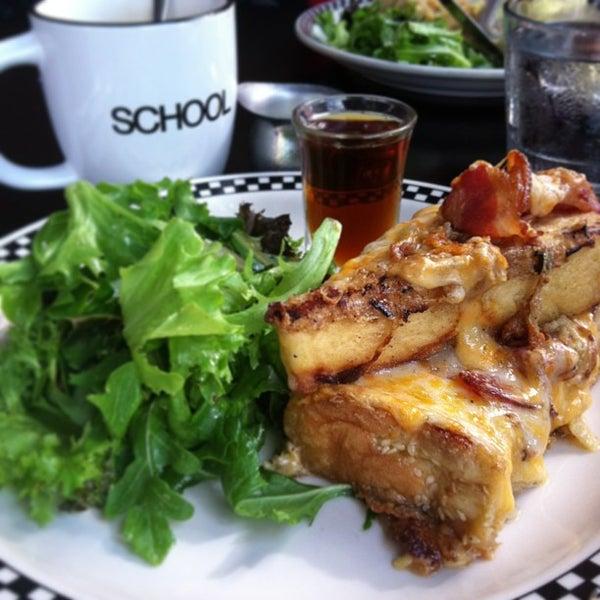 8/18/2013 tarihinde Cassandra G.ziyaretçi tarafından SCHOOL Restaurant'de çekilen fotoğraf