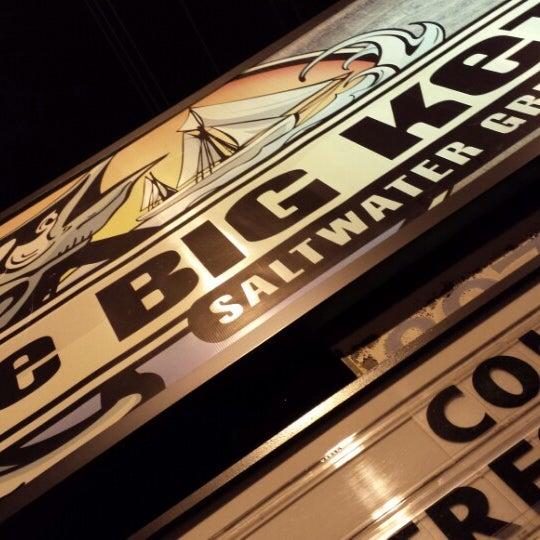 Foto tirada no(a) The Big Ketch Saltwater Grill por charles em 7/10/2013