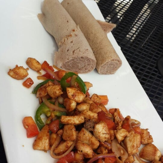 Foto scattata a Desta Ethiopian Kitchen da charles il 10/9/2013