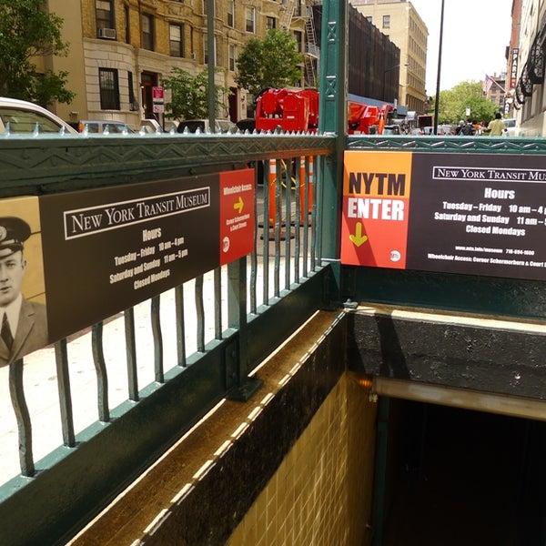 9/19/2013 tarihinde New York Transit Museumziyaretçi tarafından New York Transit Museum'de çekilen fotoğraf