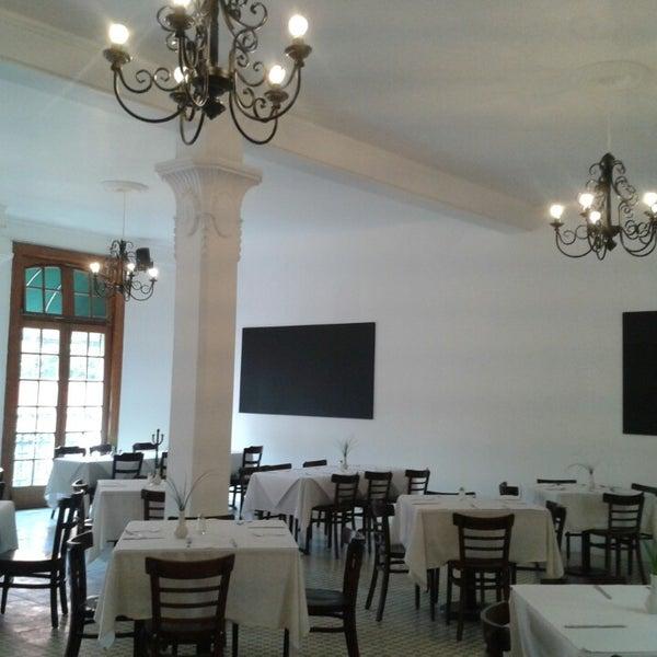 รูปภาพถ่ายที่ Restaurante Don Toribio โดย Fernando S. เมื่อ 10/20/2013