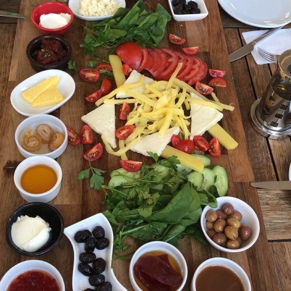 8/18/2018にDilan Y.がLimoon Café & Restaurantで撮った写真