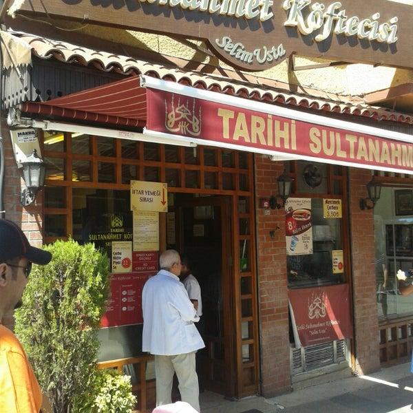 7/22/2013にKAAN A.がTarihi Sultanahmet Köftecisiで撮った写真