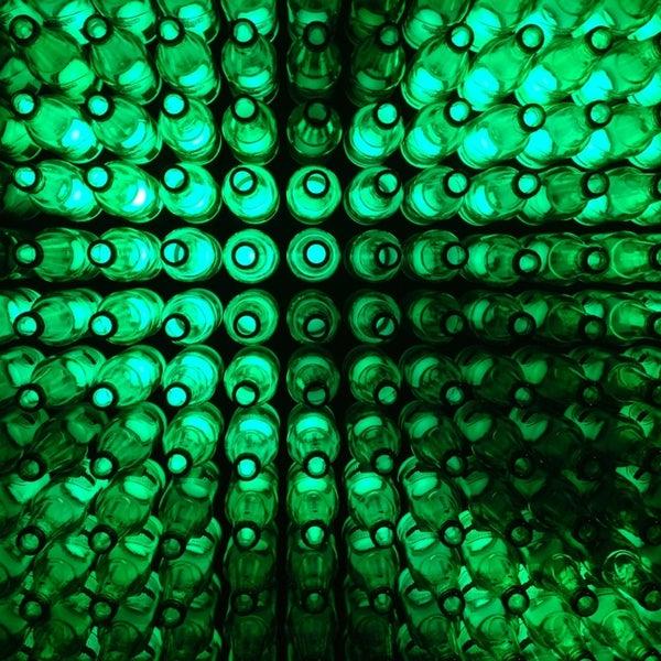 Das Foto wurde bei Heineken Experience von Alex S. am 7/13/2013 aufgenommen