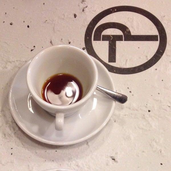 12/31/2014にFruzsiがTamp & Pull Espresso Barで撮った写真
