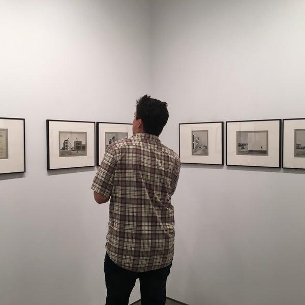 Foto tomada en Bruce Silverstein Gallery por Neha J. el 9/14/2017