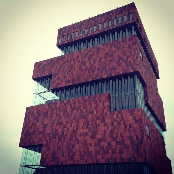 Foto tirada no(a) MAS | Museum aan de Stroom por Ouke A. em 2/23/2013