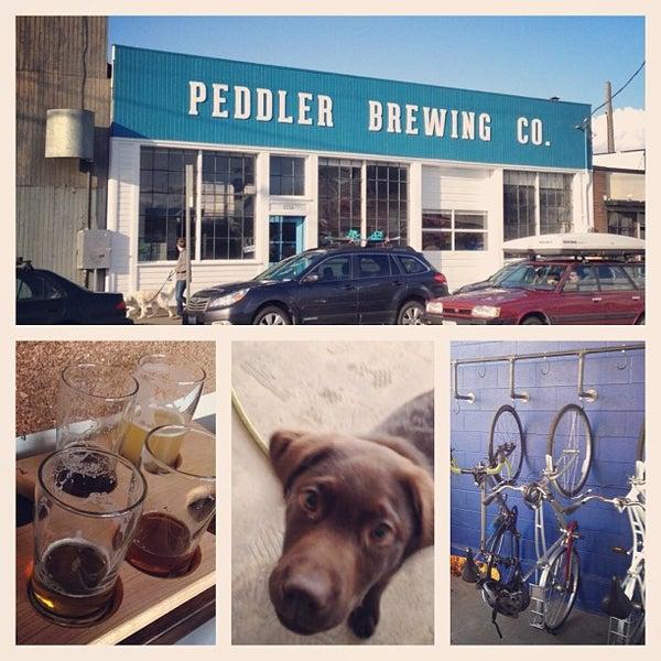 รูปภาพถ่ายที่ Peddler Brewing Company โดย Anna Lauren เมื่อ 3/23/2013